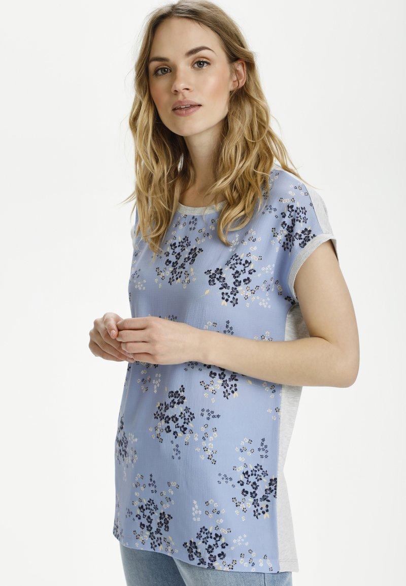 Kaffe - BPGITTA  - T-shirts print - light blue / midnight flower