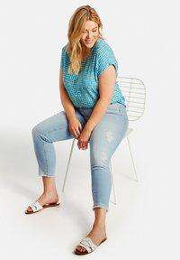 Samoon - Straight leg jeans - light blue denim - 2