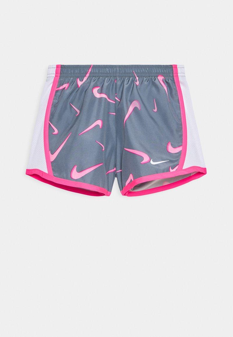 Nike Sportswear - 3D TEMPO SHORT - Shorts - smoke grey/pink/hyper pink/white