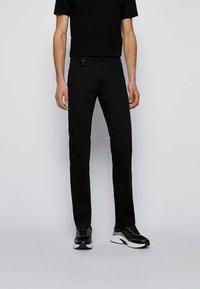 BOSS - MAINE - Slim fit -farkut - black - 0