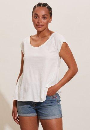 SONIA - Basic T-shirt - light chalk