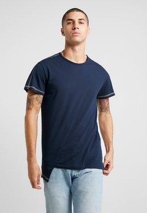JORSON TEE CREW NECK - T-shirt - bas - navy blazer