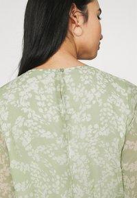 Gina Tricot - AMBER PLEATED DRESS - Day dress - green - 4