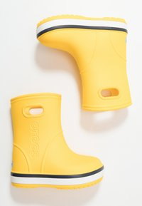 Crocs - CROCBAND RAIN BOOT - Botas de agua - yellow/navy - 0