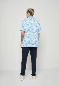 Levi's® - CLASSIC CAMPER UNISEX - Shirt - blues - 3
