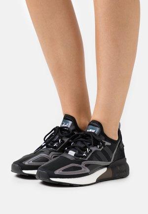 ZX 2K BOOST - Trainers - core black/footwear white
