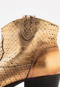 Felmini - TEXANA - Ankle boots - metal gold - 2