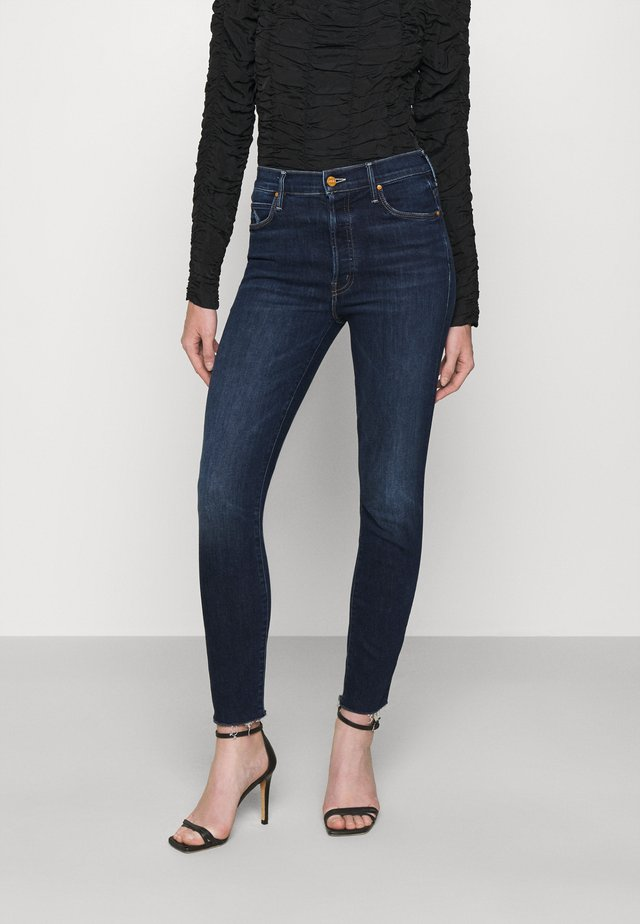 THE STUNNER ANKLE FRAY - Jeans Skinny - teaming up