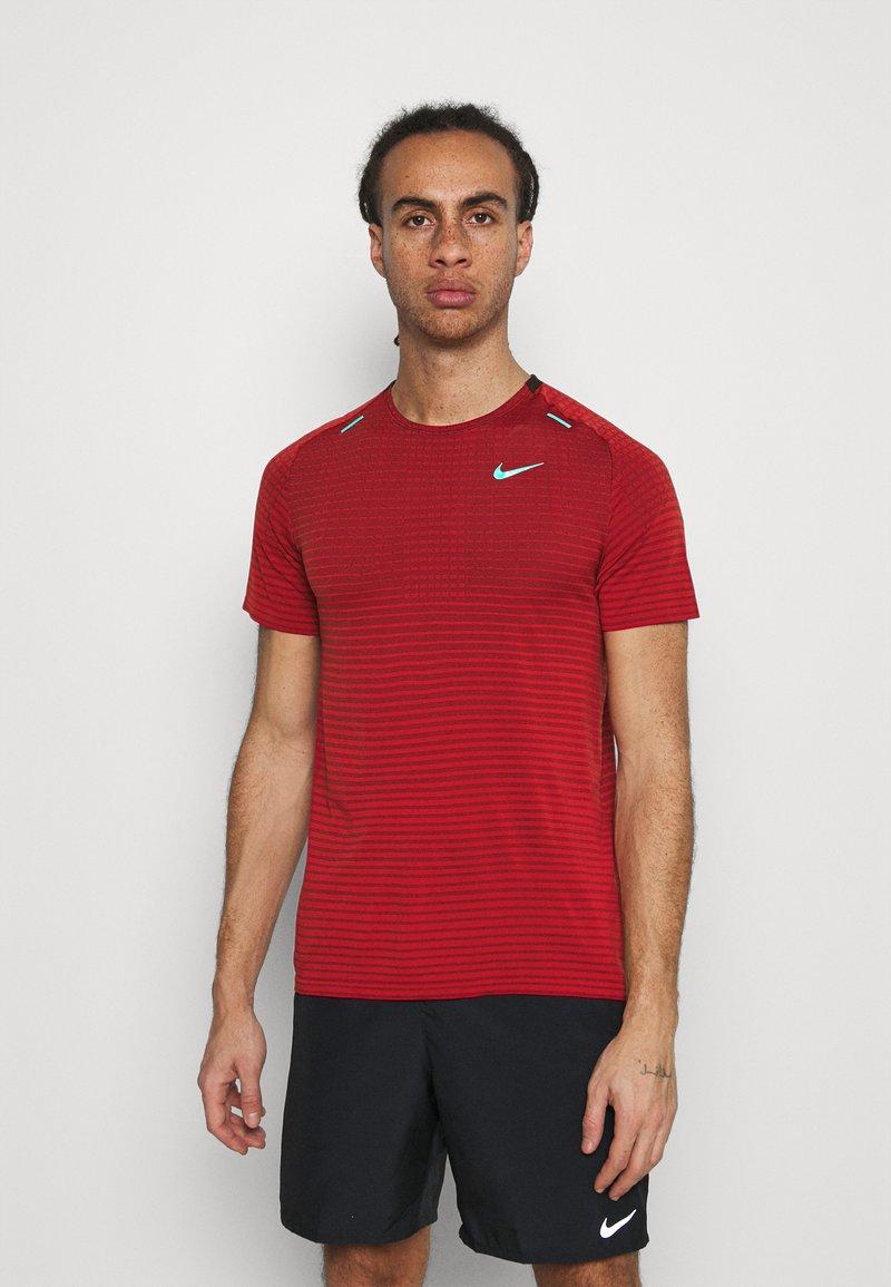 Nike Performance - TECH ULTRA LAUFSHIRT HERREN - T-shirts print - chile red