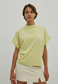 EDITED - VALENTINA - Basic T-shirt - grün - 0