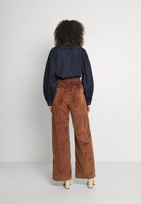 Dedicated - WORKWEAR PANTS VARA - Trousers - friar brown - 2