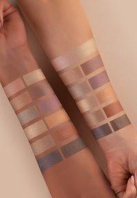 Luvia Cosmetics - DAILY ELEGANCE - Eyeshadow palette - - - 4