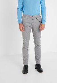 CLOSED - CLIFTON SLIM - Chinosy - shade grey - 0