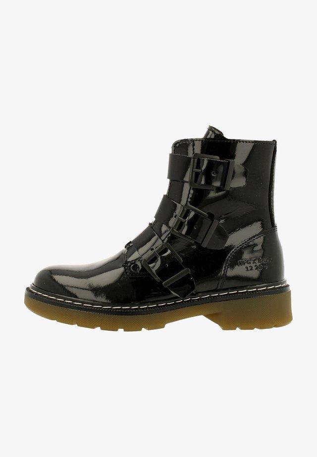 Boots - shinning black