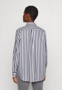 Seidensticker - LANGARM - Button-down blouse - dark sapphire - 2