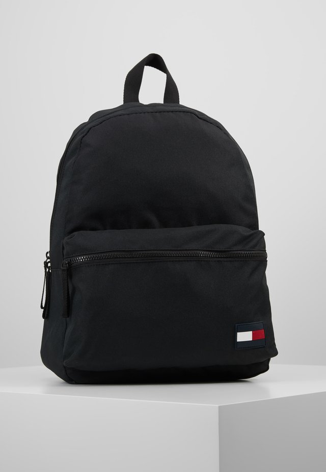 CORE BACKPACK - Ryggsekk - black