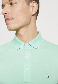 Tommy Hilfiger - Poloshirts - green - 4