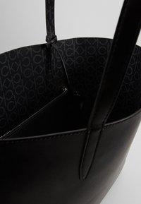 Calvin Klein - MONO  SET - Torebka - black - 5
