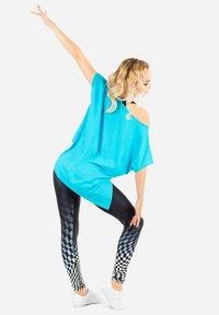 Winshape - MCT010 ULTRA LIGHT - Print T-shirt - sky blue - 2