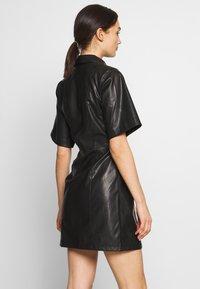 Weekday - SAVANAH DRESS - Košilové šaty - black - 2