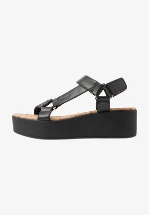 LANCYY - Sandály na platformě - black
