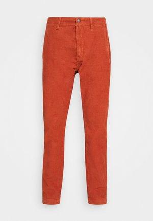 XX CHINO STD II - Trousers - picante ltwt s 14w