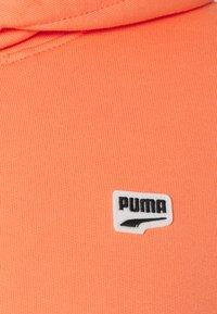 Puma - DOWNTOWN HOODIE - Hoodie - fusion coral - 2