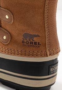 Sorel - JOAN OF ARCTIC - Zimní obuv - camel brown/black - 2