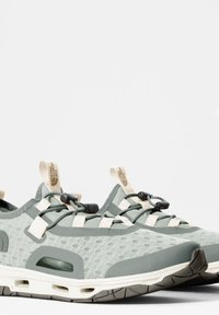 The North Face - W SKAGIT WATER SHOE - Trainers - green mist wrought iron - 1