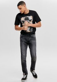 Only & Sons - WEFT - Jeans Relaxed Fit - black denim - 1