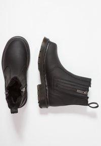 Dr. Martens - 2976 ALYSON ZIPS SNOWPLOW - Kotníkové boty - black - 3