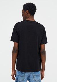 PULL&BEAR - T-shirt basic - black - 2