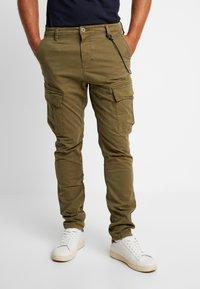 Dstrezzed - COMBAT PANTS  - Pantaloni cargo - army green - 0