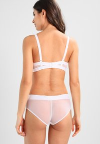DKNY Intimates - SHEERS T SHIRT BRA MOULDED CUP - Balconette bra - white - 2