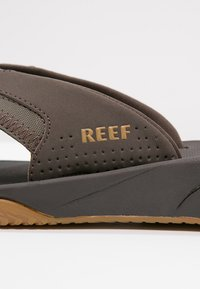 Reef - T-bar sandals - brown - 5