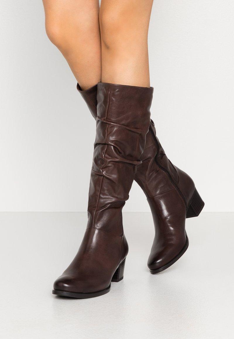 Caprice - Vysoká obuv - dark brown