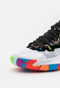 Jordan - ZION 1 - Chaussures de basket - black/white/bright crimson/amarillo/blue hero/hyper violet - 5