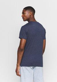 Q/S designed by - KURZARM - Print T-shirt - saphire blue - 2