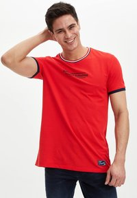 DeFacto - Print T-shirt - red - 2