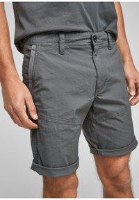 s.Oliver - Shorts - grey - 2