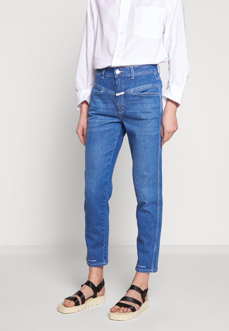 CLOSED - PEDAL PUSHER HIGH WAIST CROPPED LENGTH - Džíny Relaxed Fit - mid blue