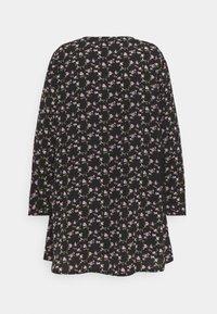 Missguided Plus - BUTTON THRU SMOCK DRESS FLORAL - Robe d'été - black - 1