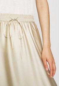 ARKET - MAXI SKIRT - A-lijn rok - beige dusty light - 7