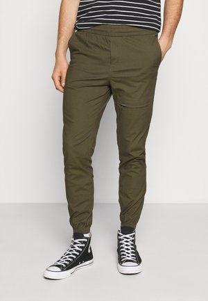 JJIVEGA JJDAVID PANTS - Trousers - olive night