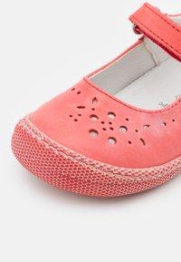Primigi - Ankle strap ballet pumps - kiss - 5