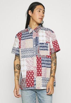 ZANE PATCH PRINT - Overhemd - burgundy
