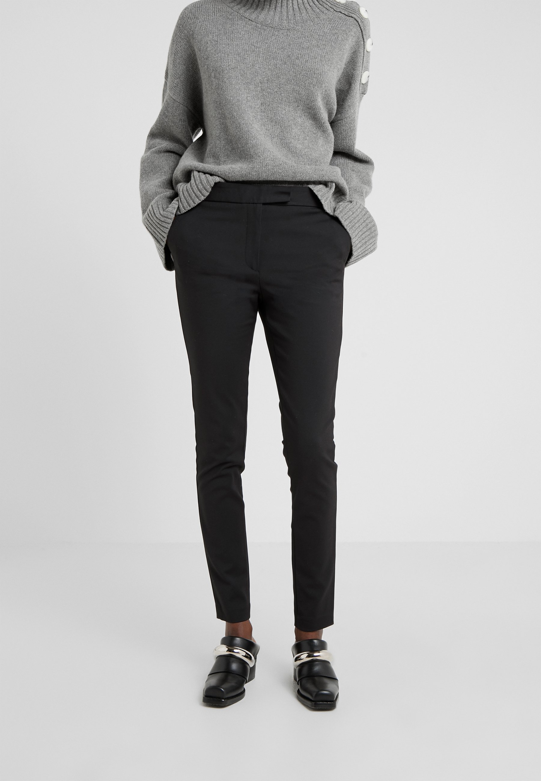 TAIKA Bukse black