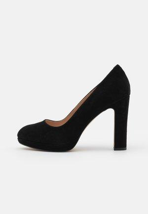 AUTUMN - Platform heels - black