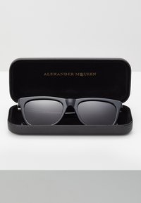 Alexander McQueen - Sunglasses - black - 2