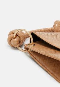 Pieces - PC MISSY - Handbag - nude - 4